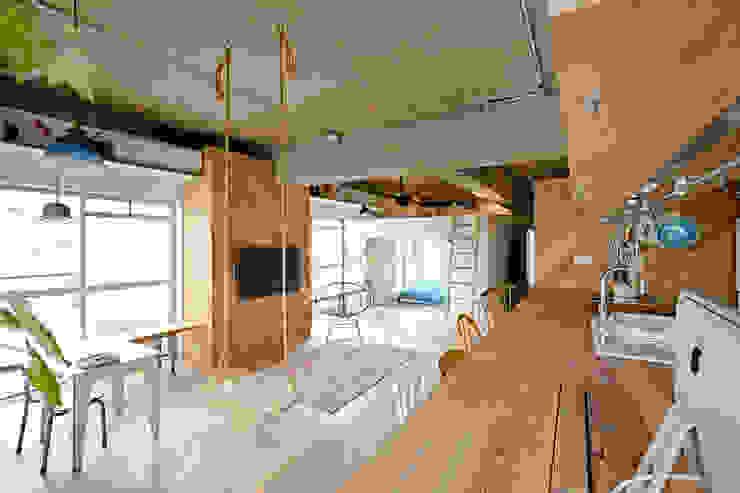 Столовая комната в стиле лофт от .8 / TENHACHI Лофт