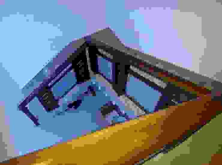 Bangalow Modern corridor, hallway & stairs by homecenterktm Modern