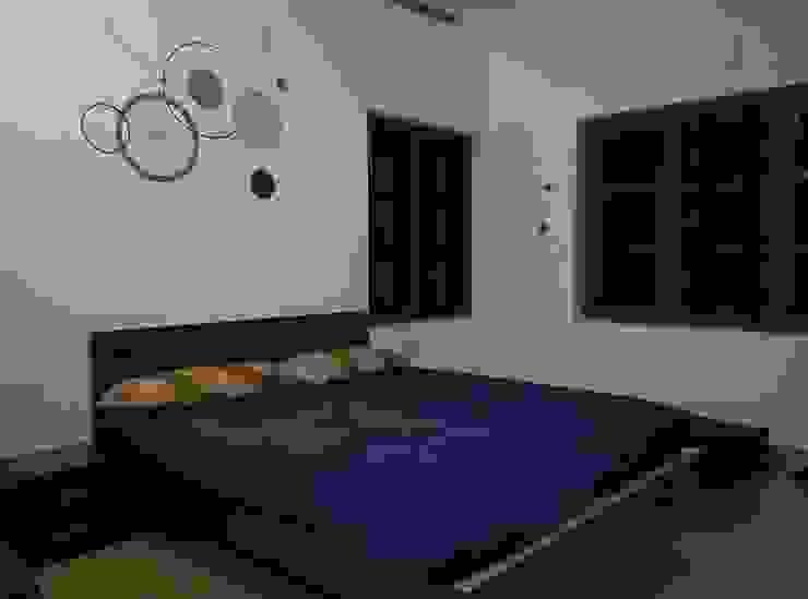Bangalow Modern style bedroom by homecenterktm Modern
