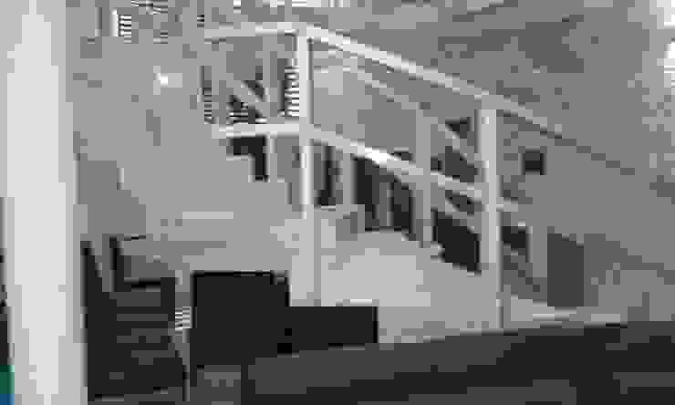Commercial homecenterktm Modern corridor, hallway & stairs