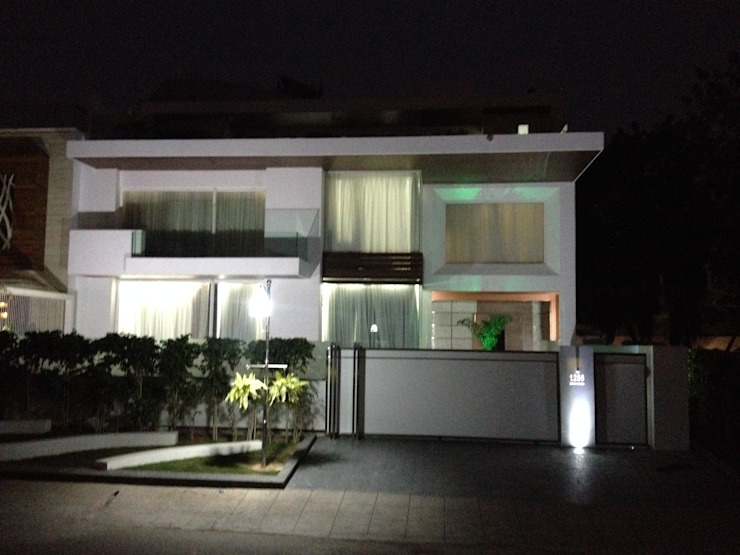 exterior solid surface application Minimalist house by JRD Associates Minimalist Plastic