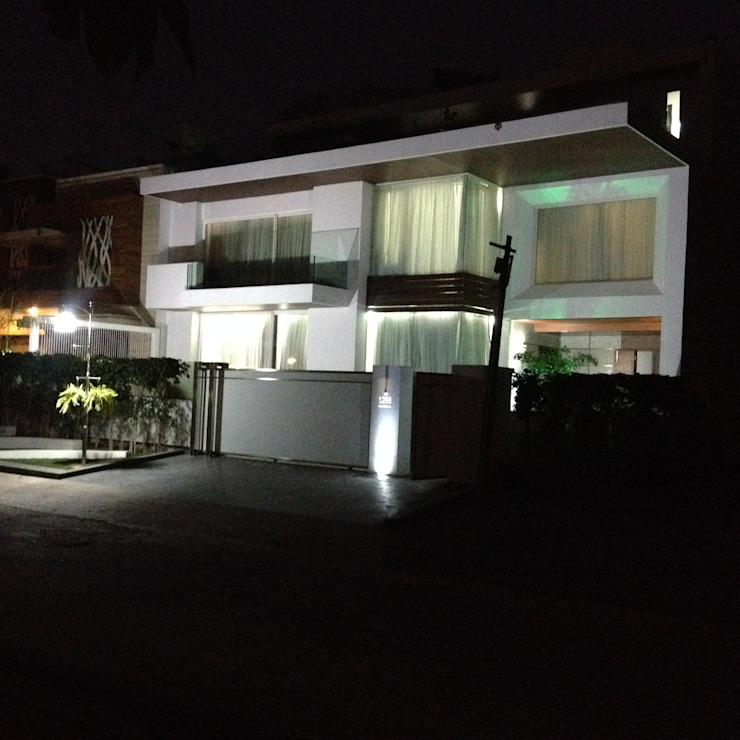 modern facade Minimalist houses by JRD Associates Minimalist