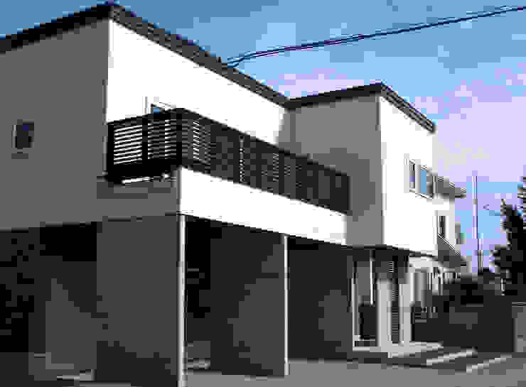 ピロティーを持つ、狭小地に建つ家 の 株式会社丹羽設計企画