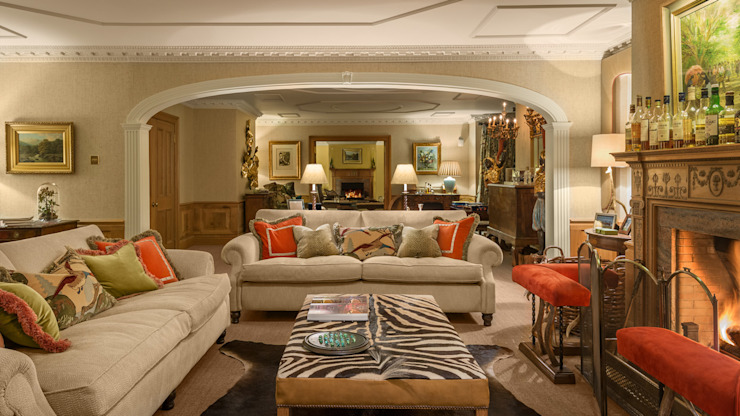Living room by homify, Classic