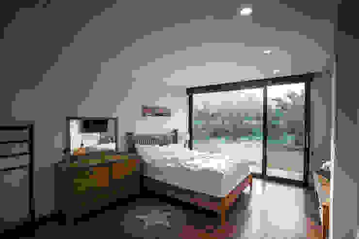 ZeroLimitsArchitects Moderne Schlafzimmer