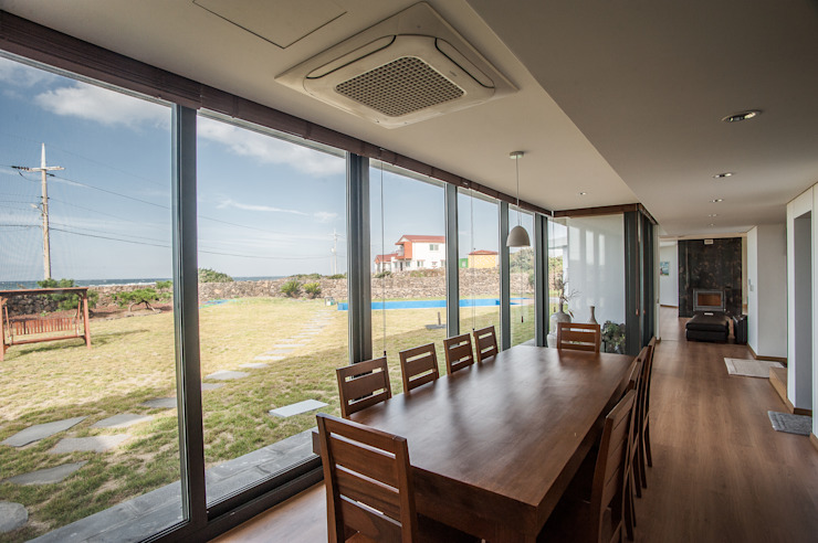 Salle à manger moderne par ZeroLimitsArchitects Moderne