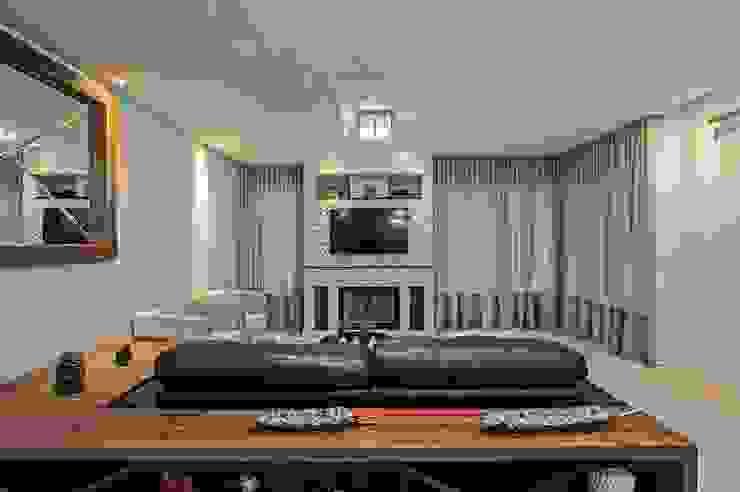 Salas multimedia de estilo  por Patrícia Azoni Arquitetura + Arte & Design,