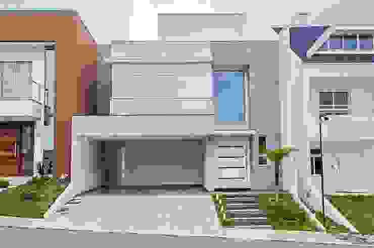 Modern houses by Patrícia Azoni Arquitetura + Arte & Design Modern Stone