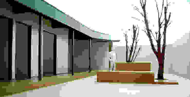 House in Luanda Casas modernas por FILIPE SARAIVA - ARQUITECTOS, LDA Moderno