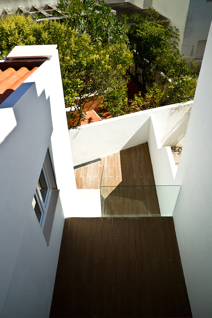 Modern houses by involve arquitectos Modern