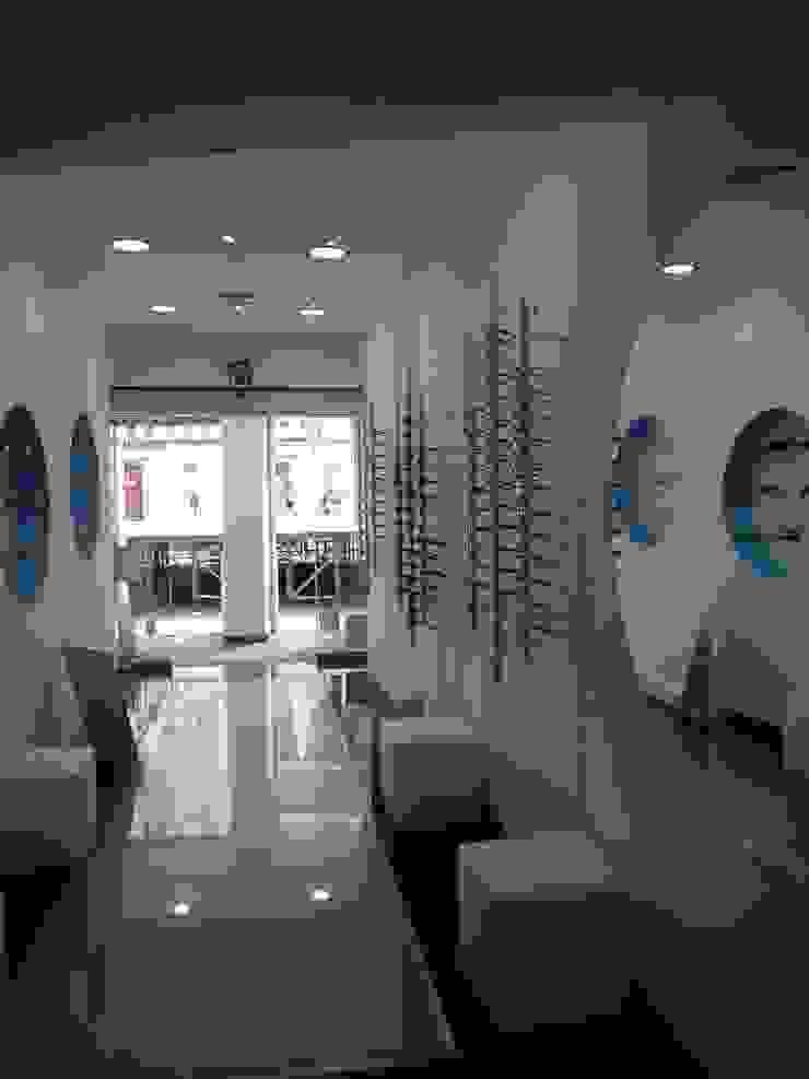 Hall de entrada por Obras de Marca | Remodelações
