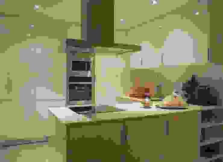Apartamento CM involve arquitectos Cozinhas modernas