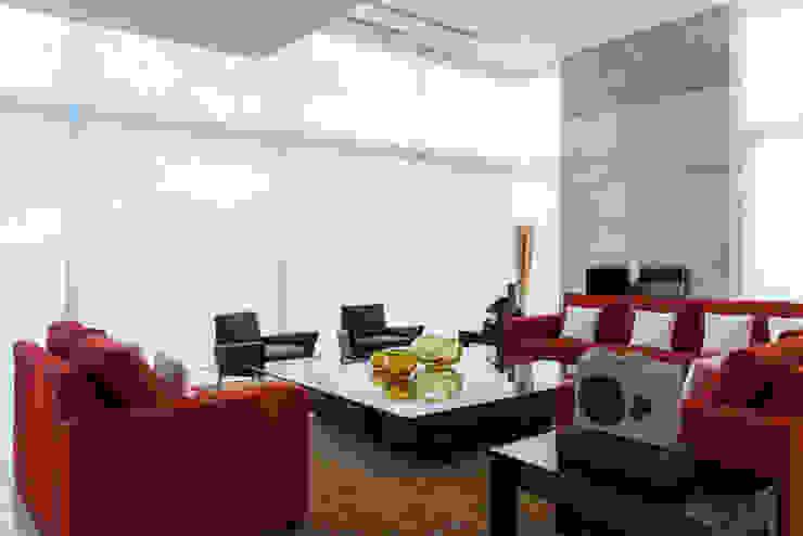 Residencia Cd de México 03 de Studio Orfeo Quagliata Moderno Vidrio