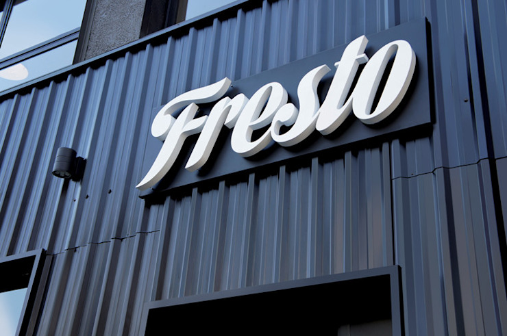 Fresto - Fachada Espaços gastronômicos industriais por Atmosfera Arquitetura Sociedade Ltda Industrial Metal