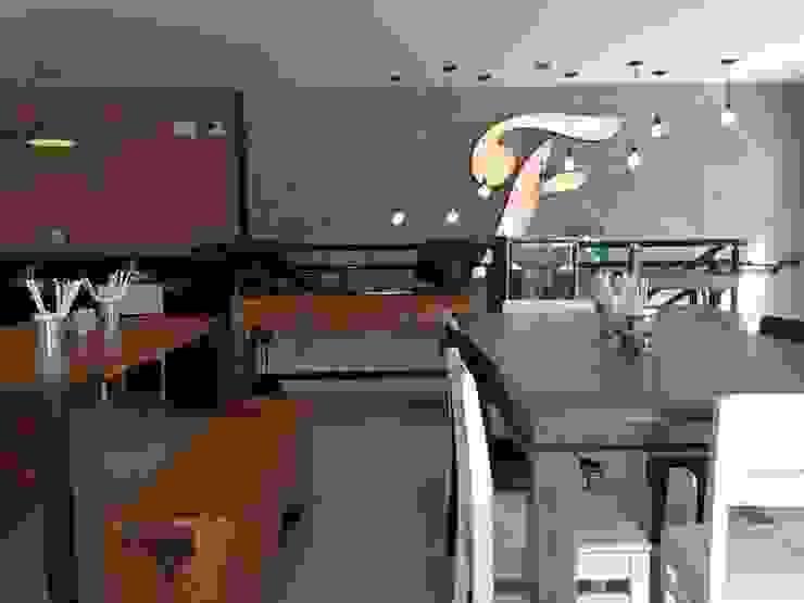 Fresto - Salão Superior Espaços gastronômicos industriais por Atmosfera Arquitetura Sociedade Ltda Industrial