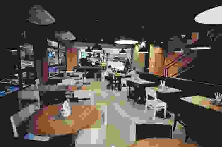 Fresto - Salão Térreo Espaços gastronômicos industriais por Atmosfera Arquitetura Sociedade Ltda Industrial