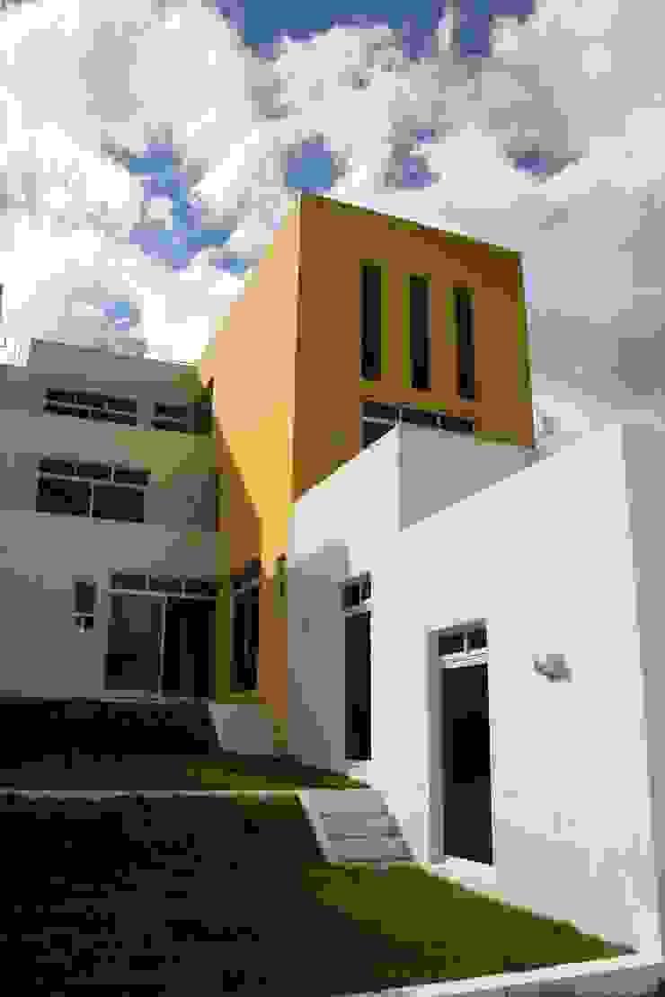 CASA GI Balcones y terrazas minimalistas de AD+d Minimalista