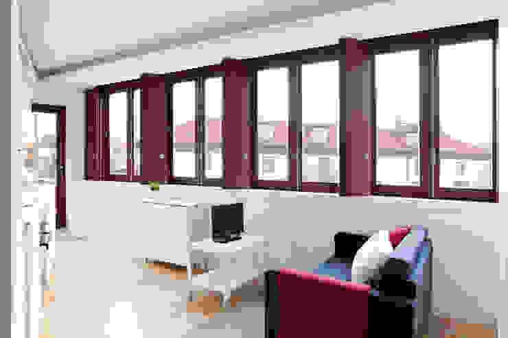 Salas / recibidores de estilo  por A2OFFICE