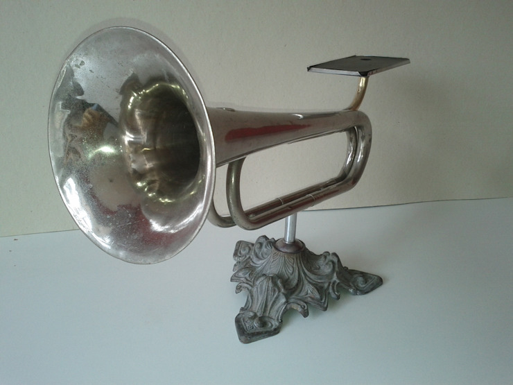 Amplificador Musical para Celular - Mesa por QueLindo - Arte Decorativa Eclético