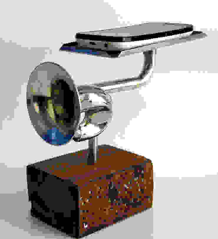 Amplificador Musical para Celular - Mesa (pequena) por QueLindo - Arte Decorativa Eclético