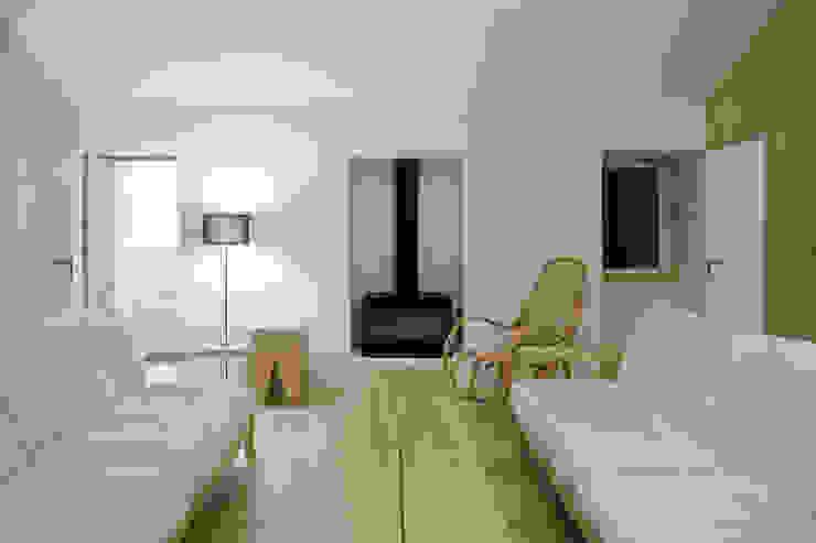door BICA Arquitectos, Minimalistisch