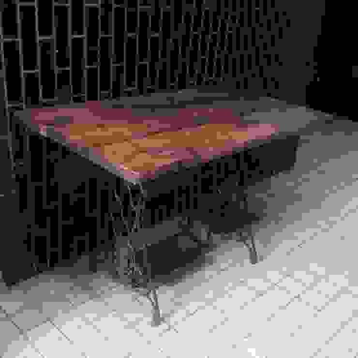 S50.original. Sewing machine stand Table&Desk: GALLERY.S S:TAYAMA が手掛けた素朴なです。,ラスティック 無垢材 多色