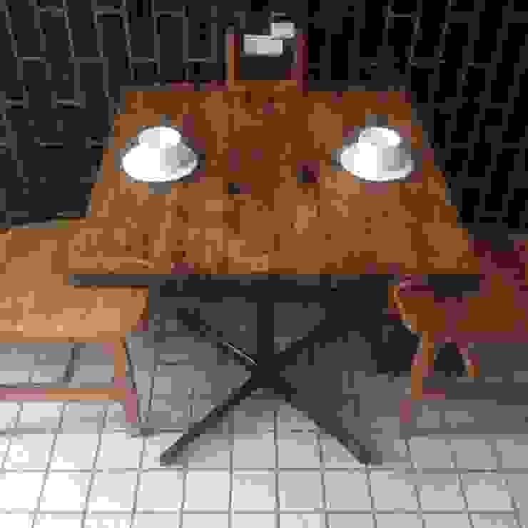 S50.original. Cross Iron Leg Cafe Table: GALLERY.S S:TAYAMA が手掛けた素朴なです。,ラスティック 無垢材 多色