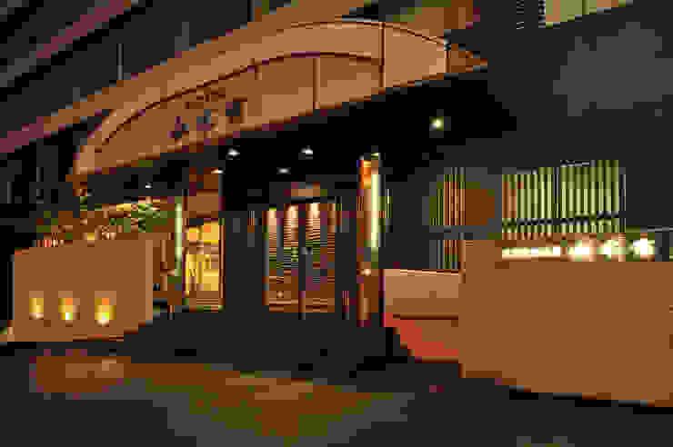 エントランス モダンなホテル の 株式会社井上輝美建築事務所+都市開発研究所 aim.design studio モダン
