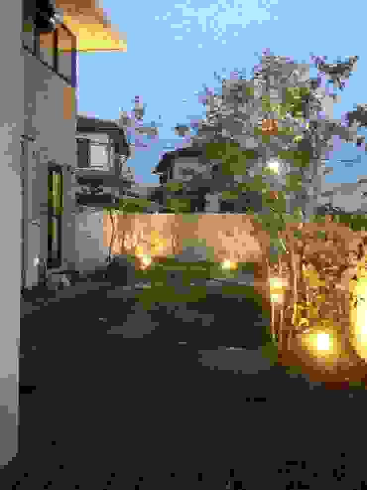 Su garden 2013 コロニアルな 庭 の eni コロニアル