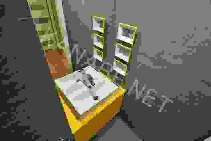 Drewno Beton Szkło Nowoczesna łazienka od KANABE Nowoczesny