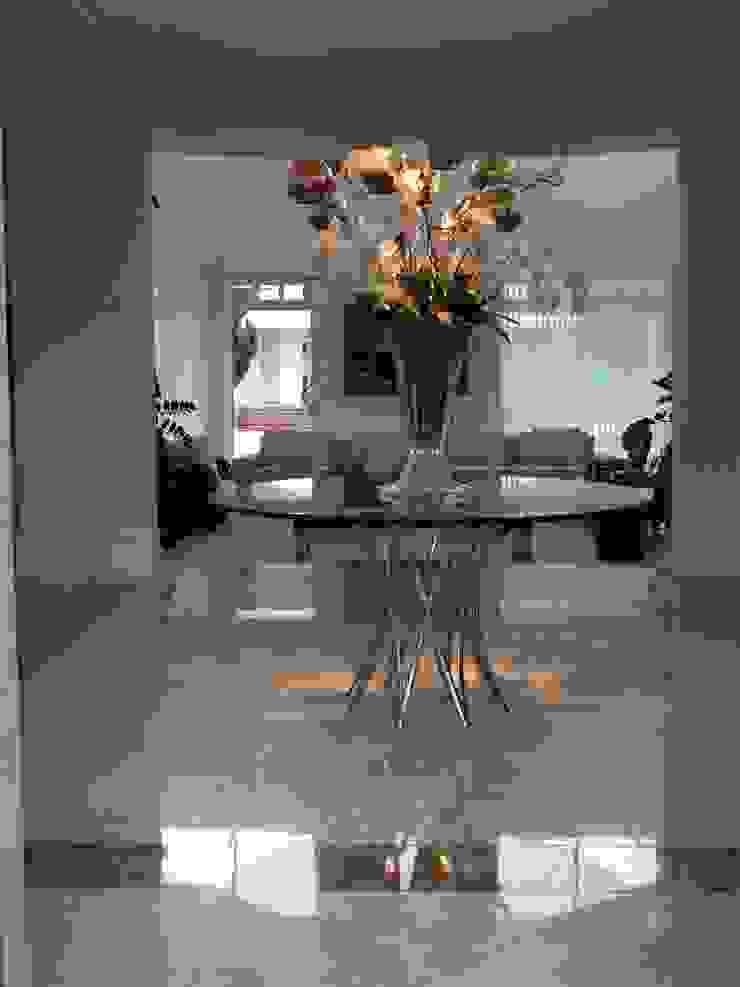 Residência Itaúna Corredores, halls e escadas ecléticos por Studio HG Arquitetura Eclético