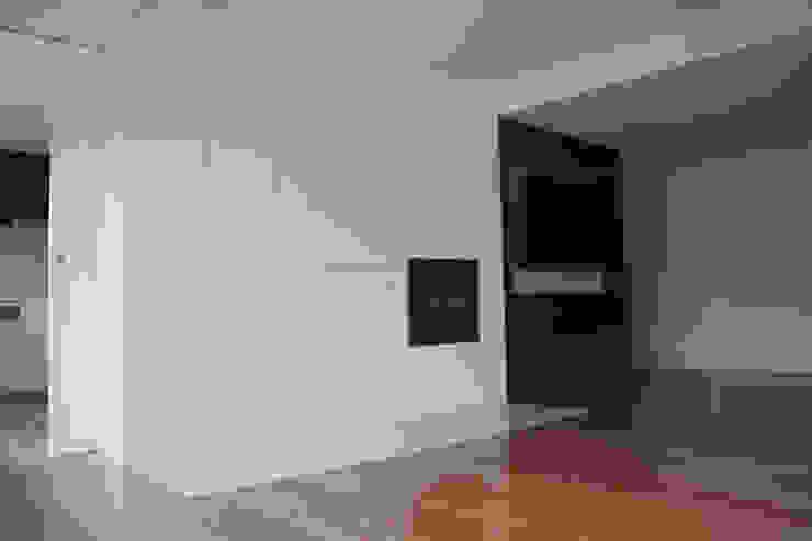 Remodelação Apartamento Salas de jantar minimalistas por sergiovazsousaarquiteto Minimalista