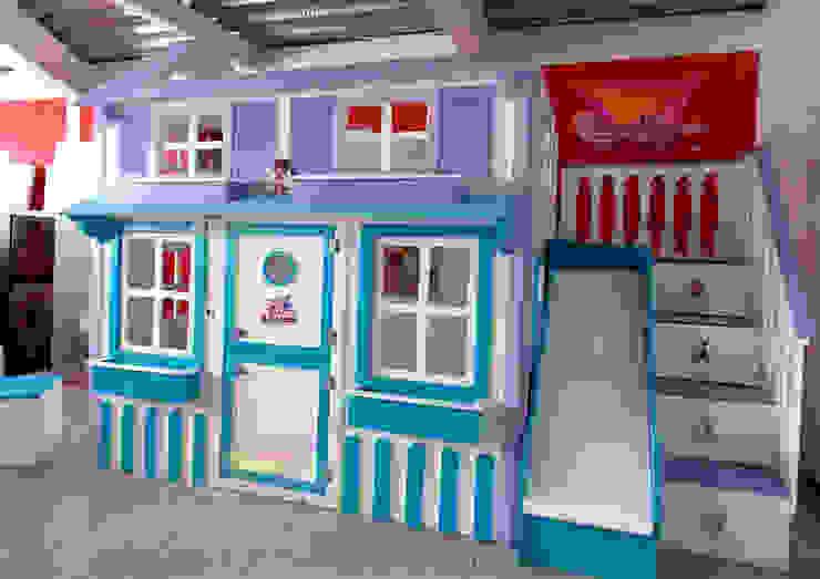 Divertida casita litera de la Dra Juguetes de camas y literas infantiles kids world Moderno Derivados de madera Transparente