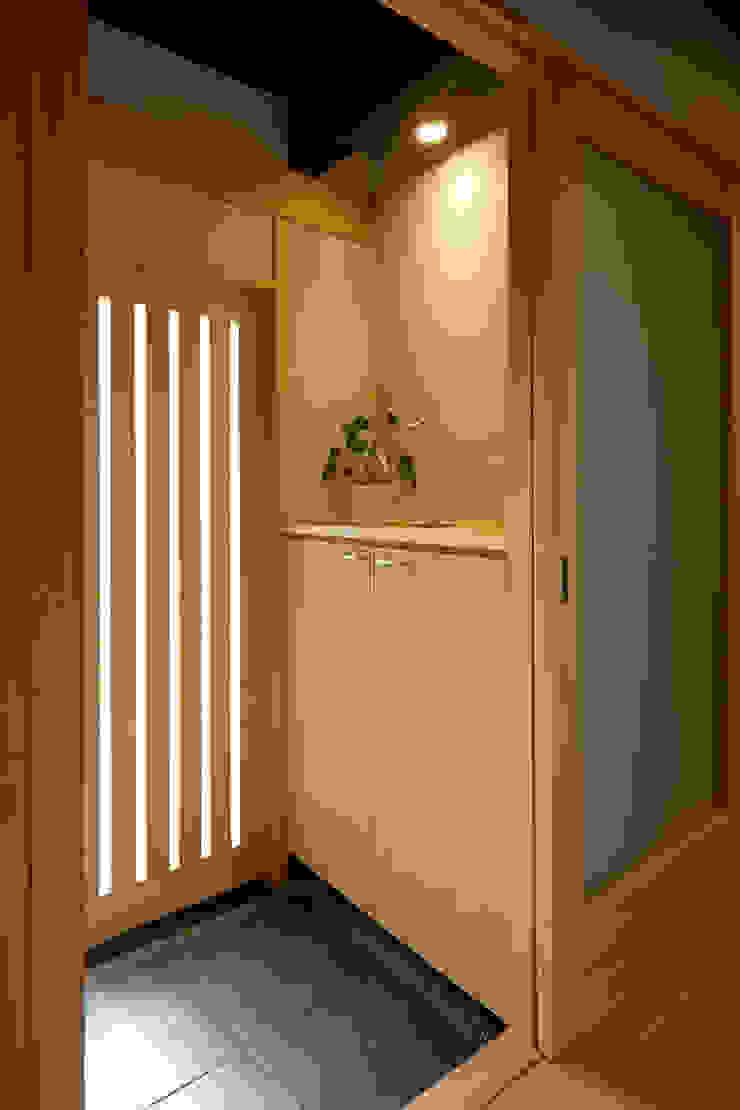玄関 オリジナルスタイルの 玄関&廊下&階段 の 竹内建築設計事務所 オリジナル