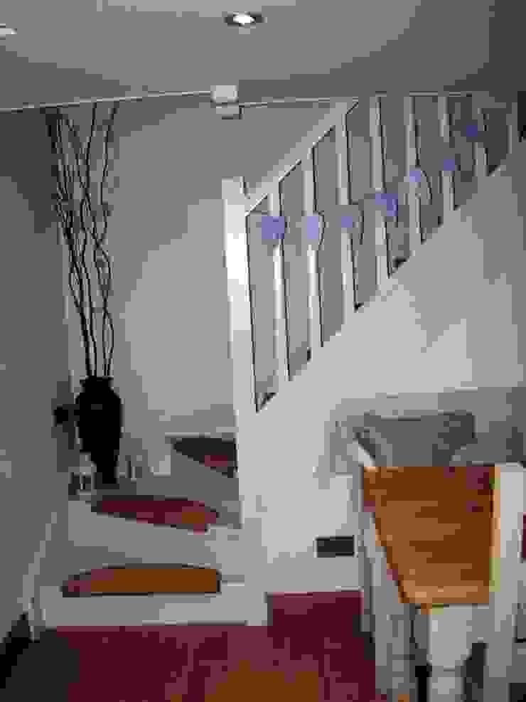 Stair Couloir, entrée, escaliers ruraux par Roundhouse Architecture Ltd Rural