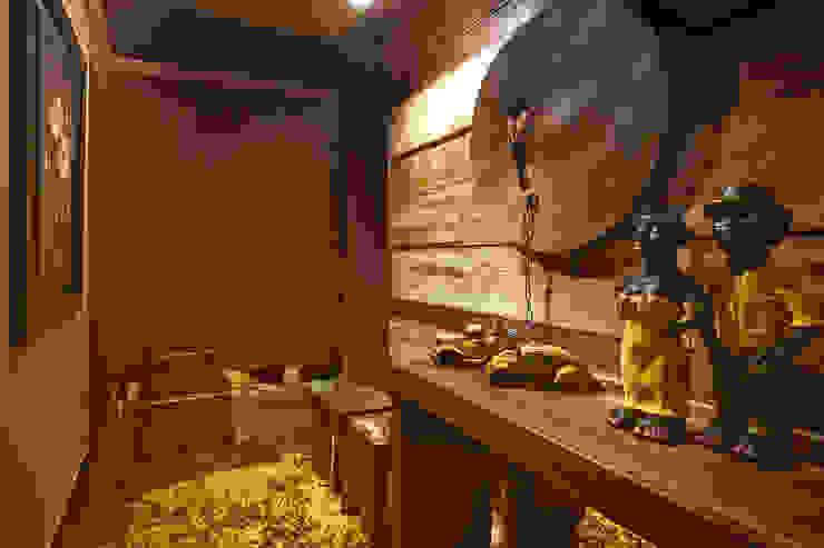 Hall de Entrada Casas rústicas por arquiteta aclaene de mello Rústico Madeira Efeito de madeira