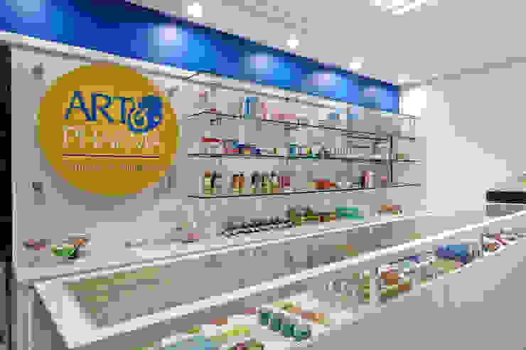 farmácia de manipulação de fórmulas Lojas & Imóveis comerciais modernos por arquiteta aclaene de mello Moderno