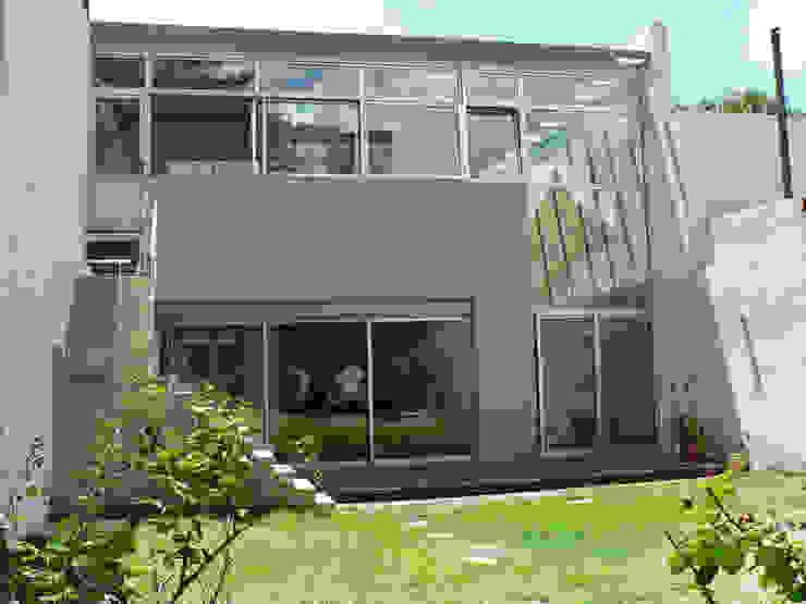 Nowoczesne domy od Paula Mariasch - Juana Grichener - Iris Grosserohde Arquitectura Nowoczesny