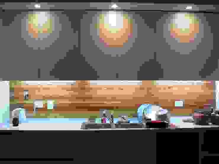 Casa Jufré | Ampliación + Remodelación. Cocinas modernas: Ideas, imágenes y decoración de Paula Mariasch - Juana Grichener - Iris Grosserohde Arquitectura Moderno