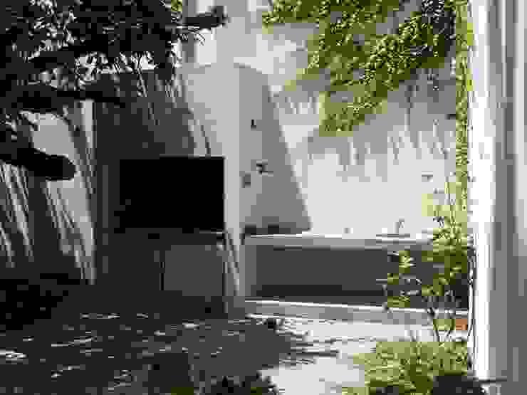Modern garden by Paula Mariasch - Juana Grichener - Iris Grosserohde Arquitectura Modern