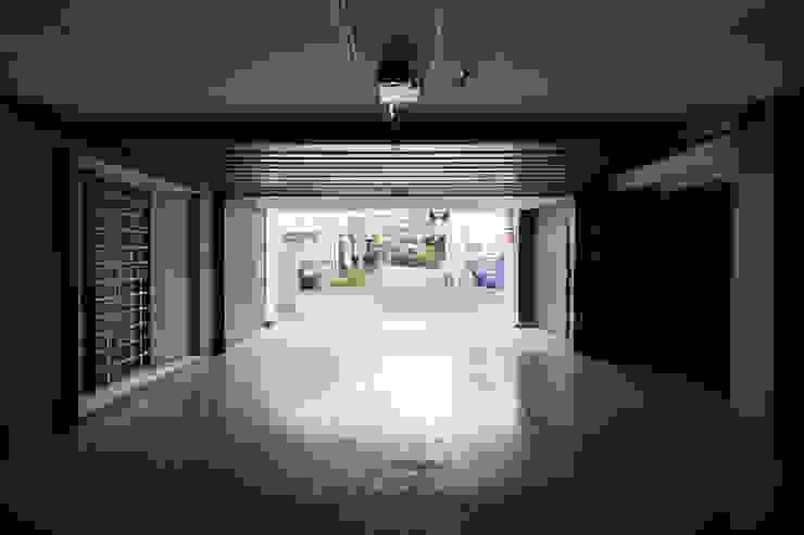 Y邸 オリジナルデザインの ガレージ・物置 の 株式会社アーキネット京都1級建築士事務所 オリジナル