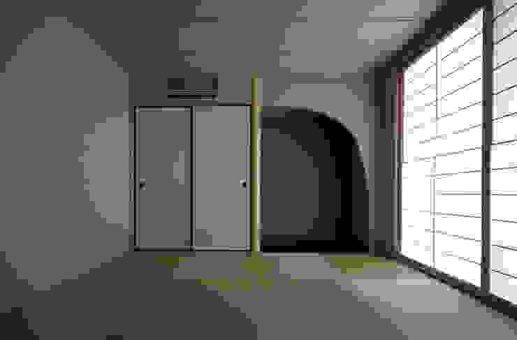 Y邸 オリジナルデザインの 多目的室 の 株式会社アーキネット京都1級建築士事務所 オリジナル