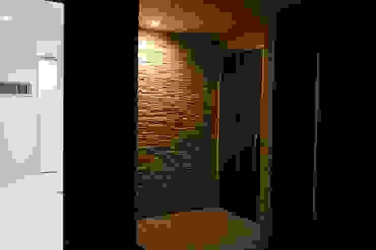 玄関アプローチ モダンスタイルの 玄関&廊下&階段 の DIOMANO設計 モダン タイル