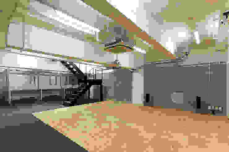 Jimukino-Ueda - ジムキノウエダ - インダストリアルデザインの 多目的室 の 株式会社アーキネット京都1級建築士事務所 インダストリアル