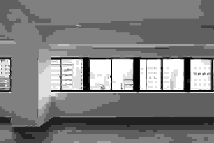 Jimukino-Ueda - ジムキノウエダ - インダストリアルデザインの リビング の 株式会社アーキネット京都1級建築士事務所 インダストリアル