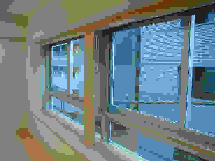 都心の家 NY邸 モダンな 窓&ドア の 細江英俊建築設計事務所 モダン