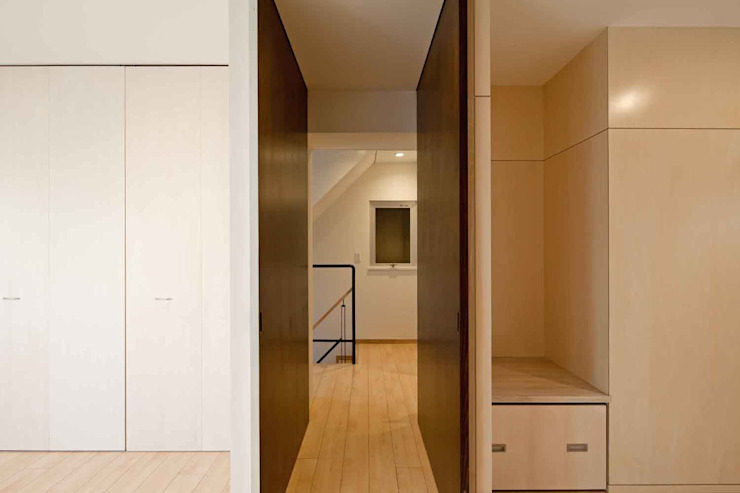 都心の家 NY邸 モダンデザインの 多目的室 の 細江英俊建築設計事務所 モダン