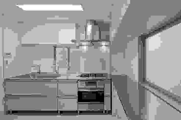 都心の家 NY邸 モダンな キッチン の 細江英俊建築設計事務所 モダン