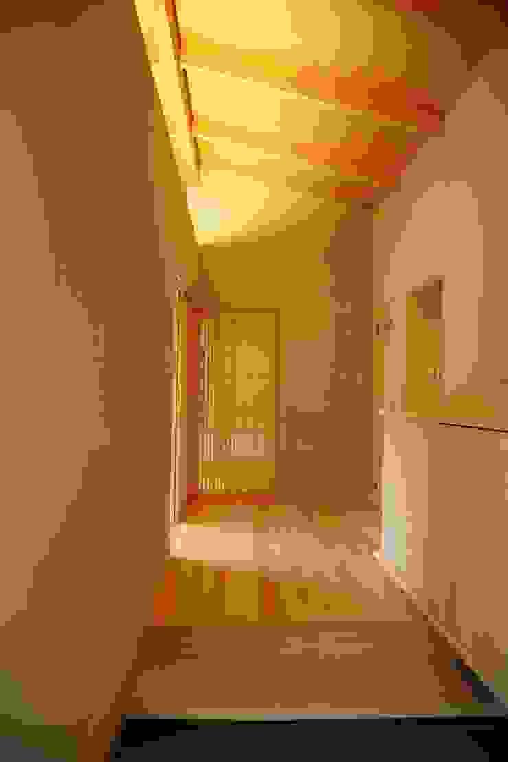 KI HOUSE モダンスタイルの 玄関&廊下&階段 の 日菜設計室 HINA ARCHITECTS モダン