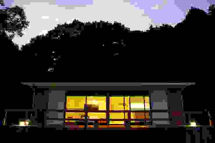 KI HOUSE モダンな 家 の 日菜設計室 HINA ARCHITECTS モダン